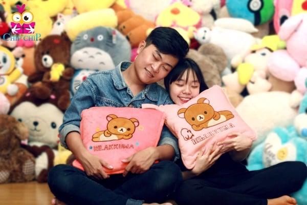 gấu bông và gối ôm tình yêu