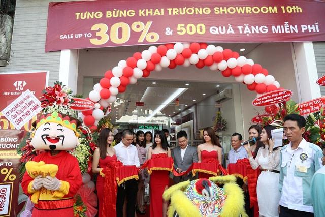 Kênh 14.vn Đưa Tin Huy Thanh Jewelry Khai Trương Cửa Hàng 10-TP HCM