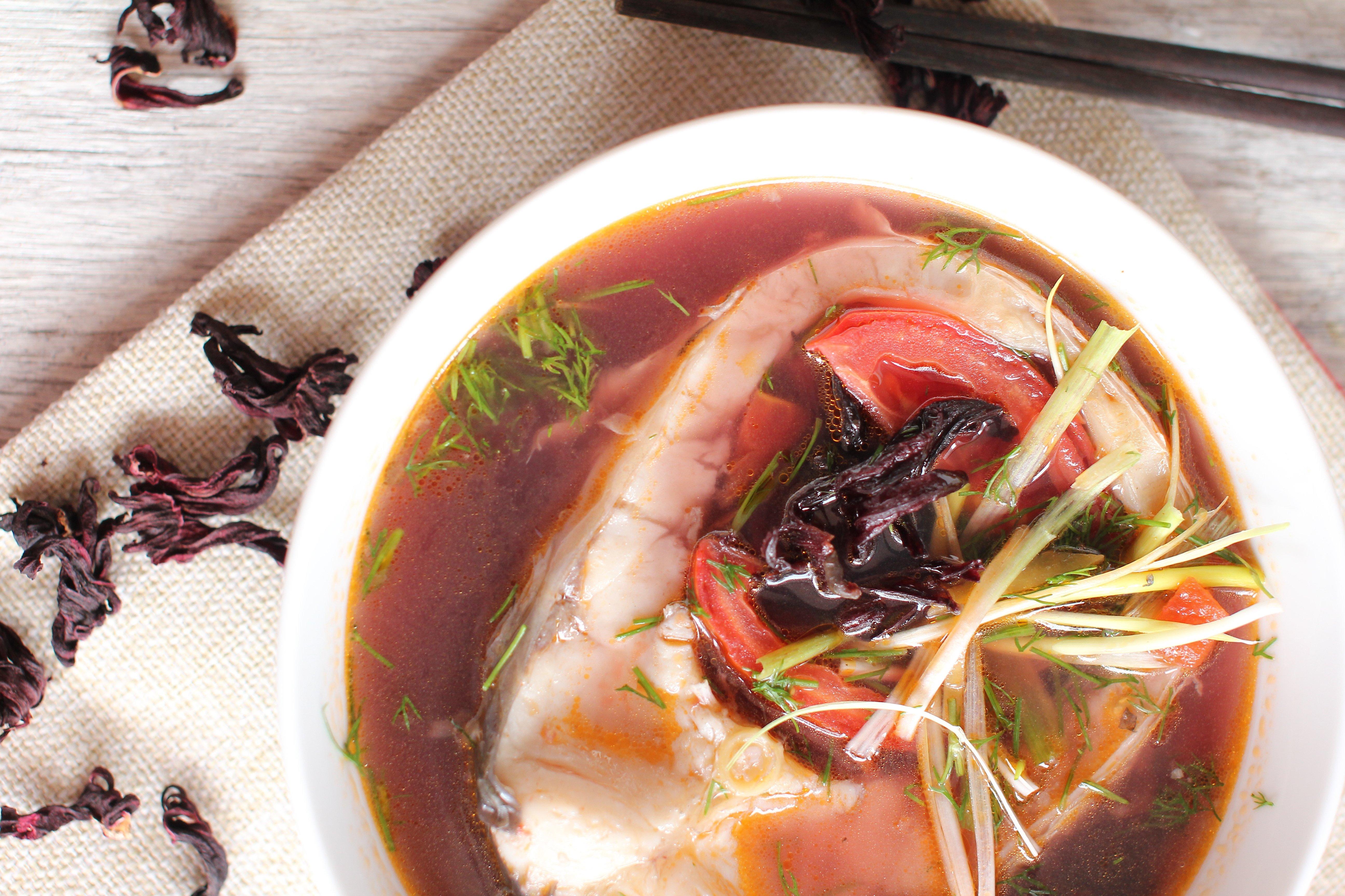 Món ngon Hibiscus: Cách nấu canh chua cá và Hibiscus