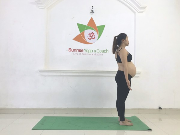 Yoga ba bau_sunrise yoga coach_chien binh 1_2