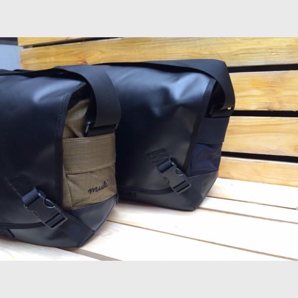 mặt bên túi máy ảnh bằng da muli sling 7500