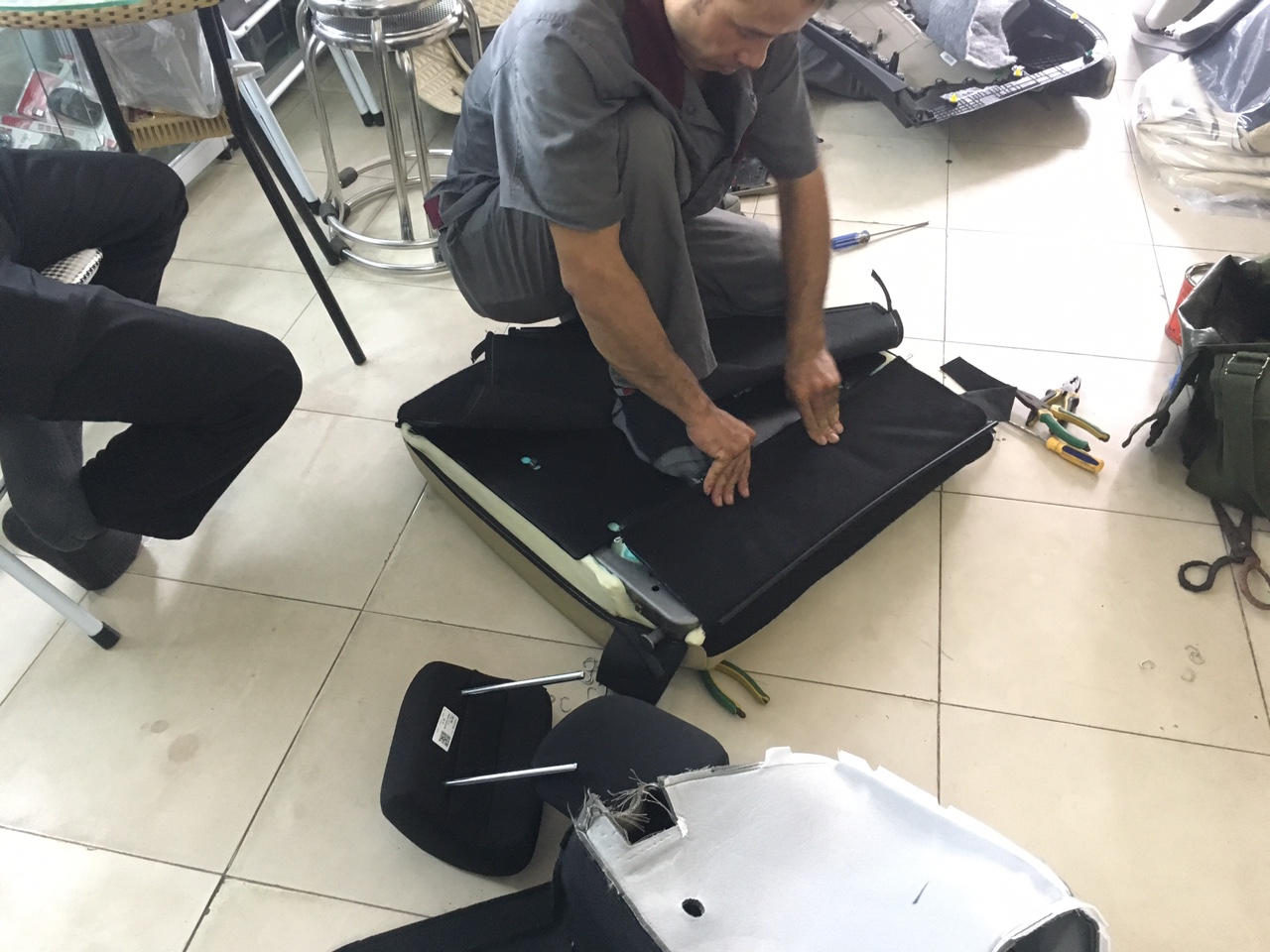 Quy trình bọc ghế da thật cho ô tô tại Rambo Auto - Xưởng may ghế da uy tín, lâu năm tại Hà Nội
