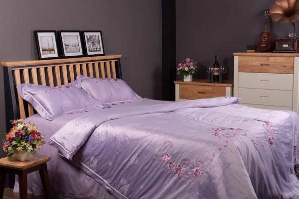 Chăn ga gối cao cấp Gnight được làm từ vải cotton satin