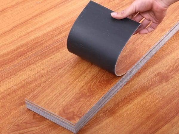 Tìm hiểu sàn nhựa dán keo là gì