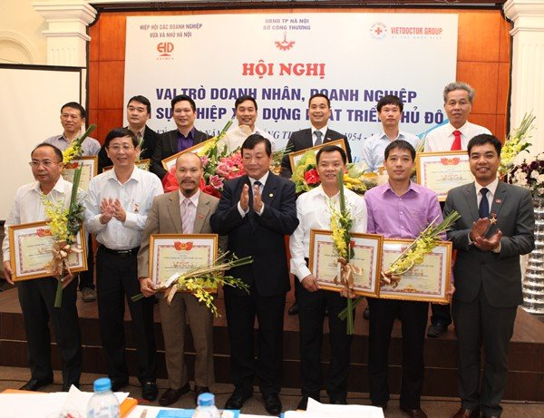 "Chairman – General Director of TrungThanh, Mr. Phi Ngoc Chung sponsored the conference ""The role of entrepreneurs, enterprises"""