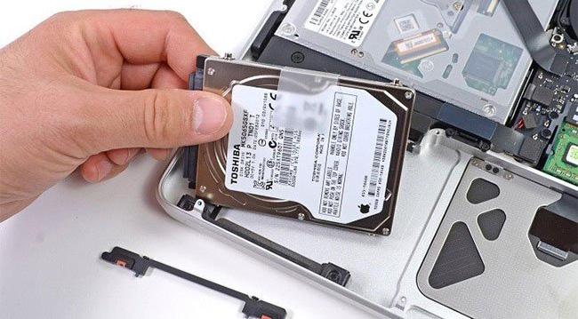 Lắp đặt phần cứng SSD cho máy tính xách tay
