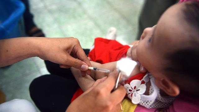 Cháu bé 2 tháng tuổi tử vong sau tiêm phòng vắc xin ComBE Five