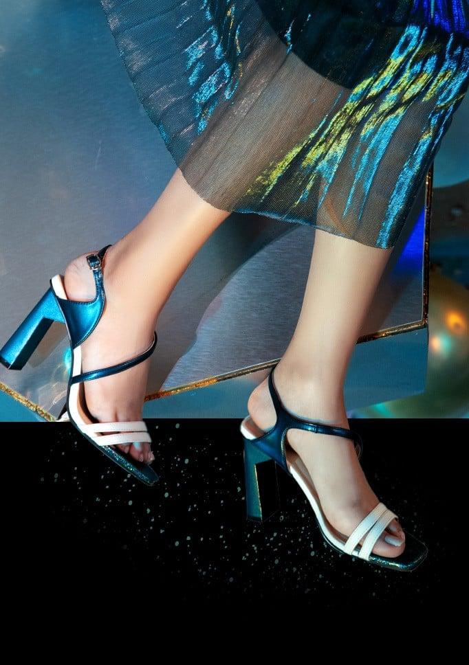 Giày sandal gót trụ phối trung tì kim tuyến