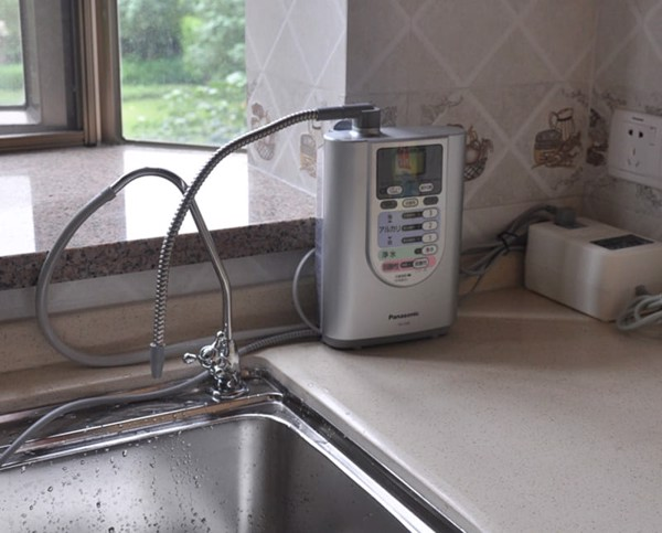 Máy lọc nước điện phân Panasonic TK-7208
