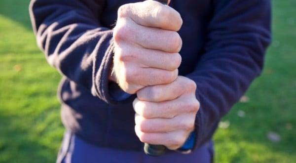 Cach-cam-gay-golf-kieu-Ten-Fingers