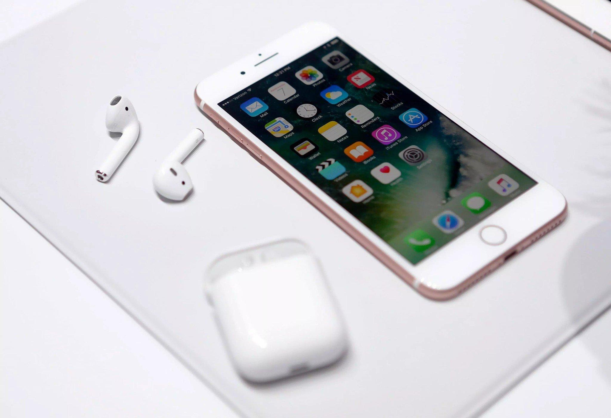 Tai nghe Bluetooth Apple AirPods 2 nhiều tính năng tiện dụng