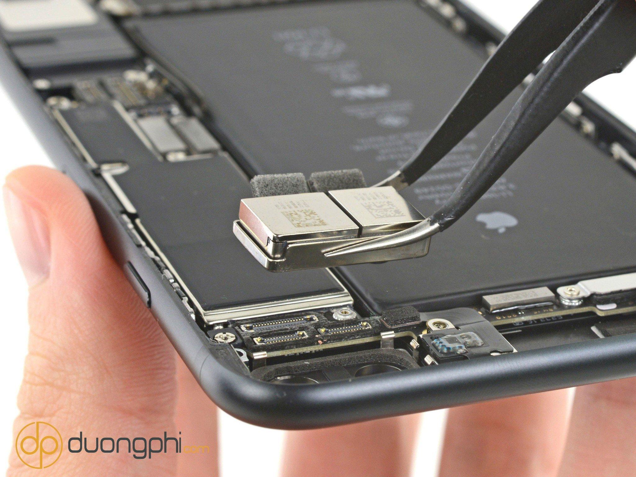 Dịch vụ thay camera sau iPhone 7 Plus, lấy ngay tại Vĩnh Long