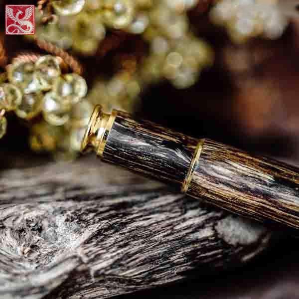 bút gỗ trầm hương