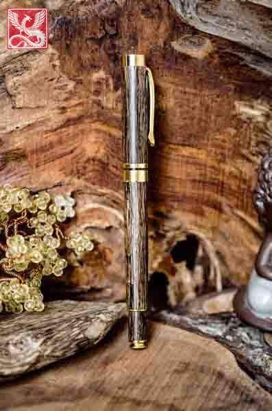 bút gỗ trầm mạ vàng