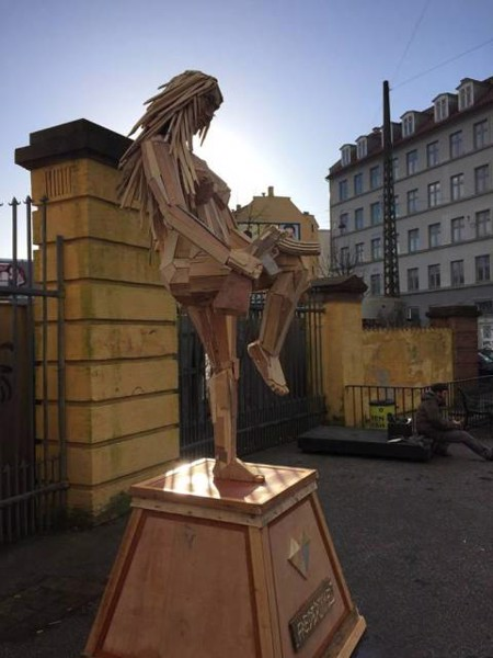 Tác phẩm điêu khắc của thomas dambo
