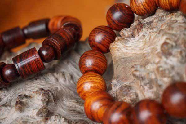 vòng tay gỗ sưa