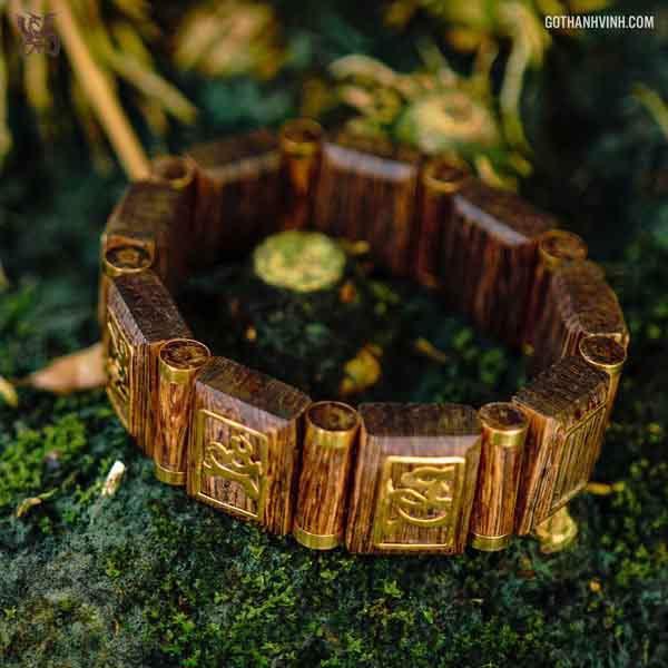 Chiêm ngưỡng bộ sưu tập vòng tay trầm sánh bọc vàng