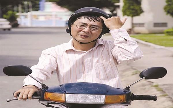 Hướng dẫn cách vệ sinh mũ bảo hiểm đúng cách bạn cần biết