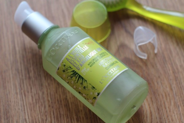 gel rua mat l occitane angelica cleansing gel 200ml 02