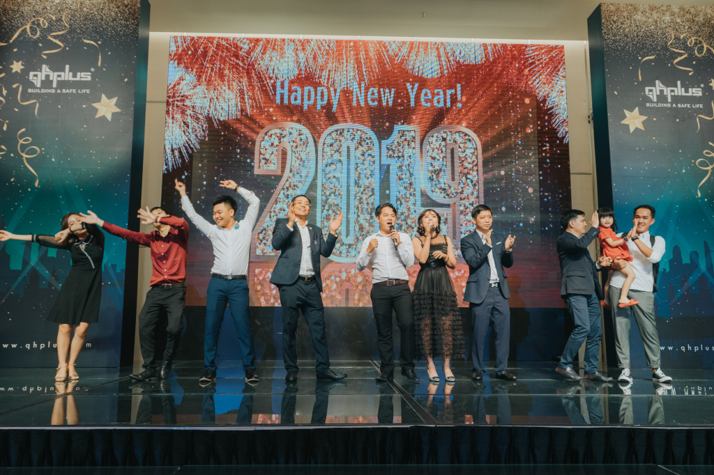 tat nien year end 2018 qh plus