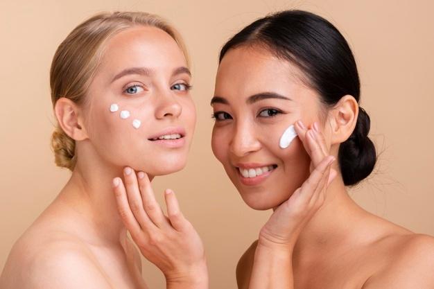 5 lợi ích của kem dưỡng da giúp bạn có làn da mịn màng