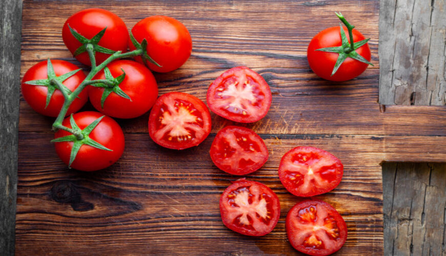 cà chua phục hồi da nhiễm corticoid