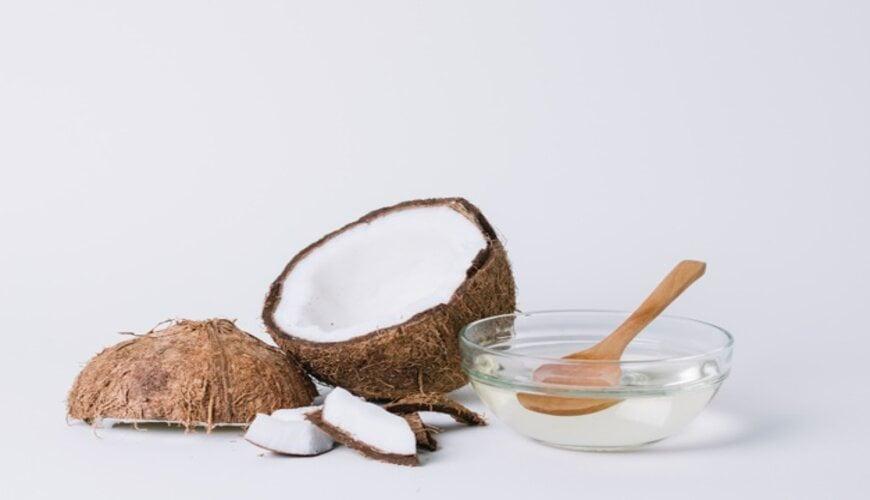 dùng dầu dừa trị rạn da
