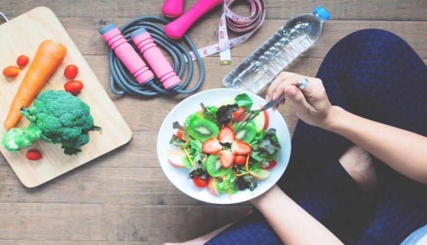 ngăn ngừa da khô bằng dinh dưỡng hợp lý