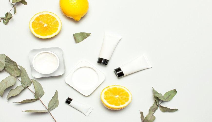 dùng kem dưỡng ẩm chống lão hóa