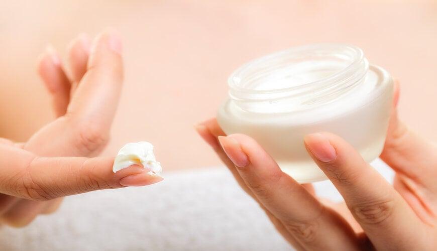 không kem dưỡng ẩm toàn thân cho da mặt