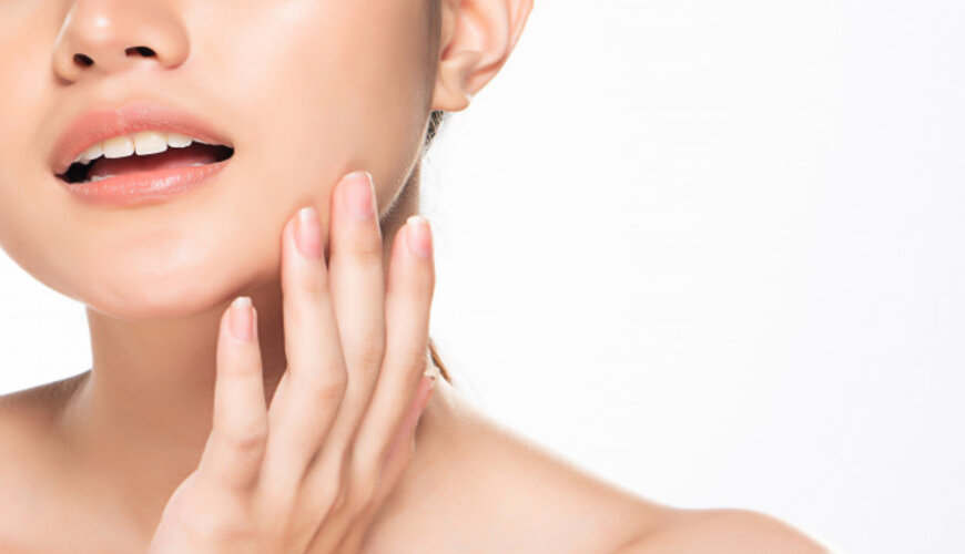 massage mặt giúp da bạn đàn hồi căng bóng