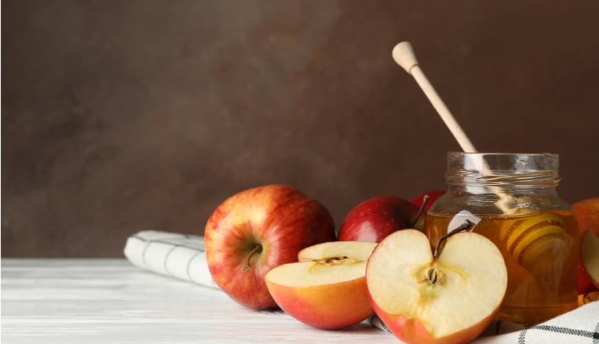 mặt nạ trắng da táo và mật ong