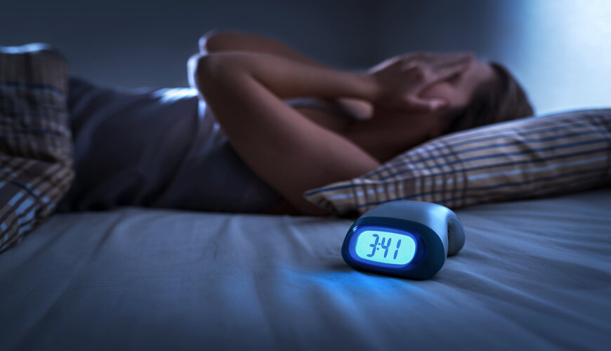 thiếu ngủ gây ra tình trạng bọng mắt