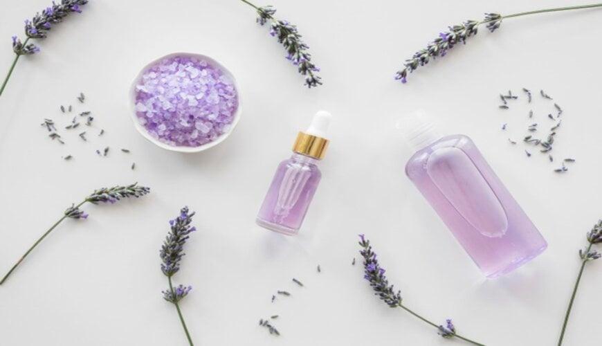 tinh dầu oải hương giúp phục hồi da hư tốn