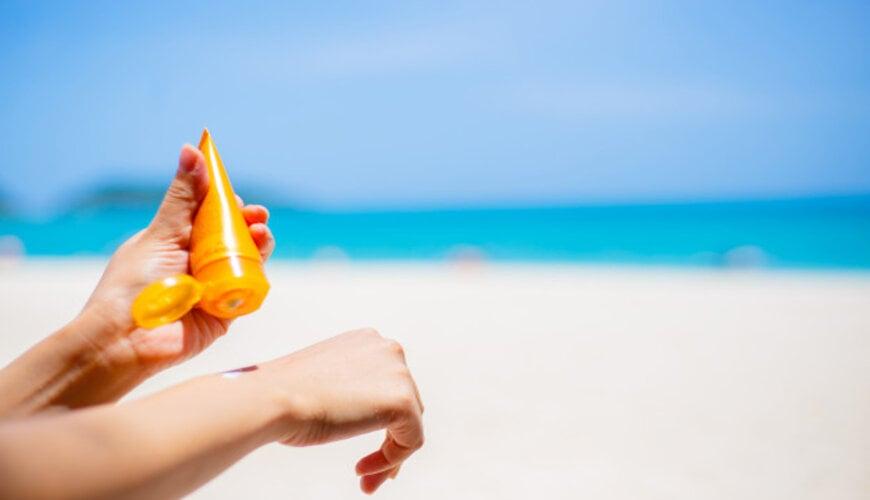 không quên dùng kem chống nắng