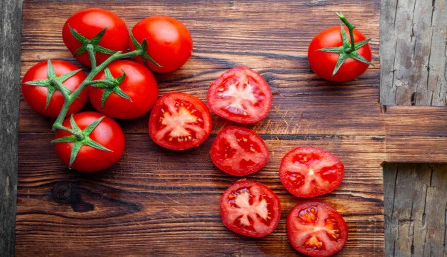 cà chua càng ăn càng đẹp da