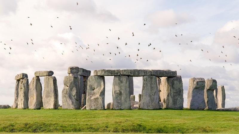 Những hòn đá độc đáo ở Stonehenge Anh