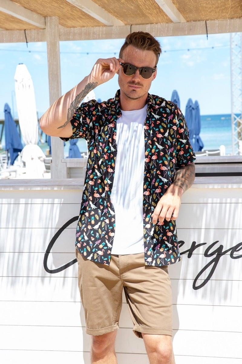Nam đi biển nên mặc gì? 25 trang phục đi biển cho nam trẻ trung, năng