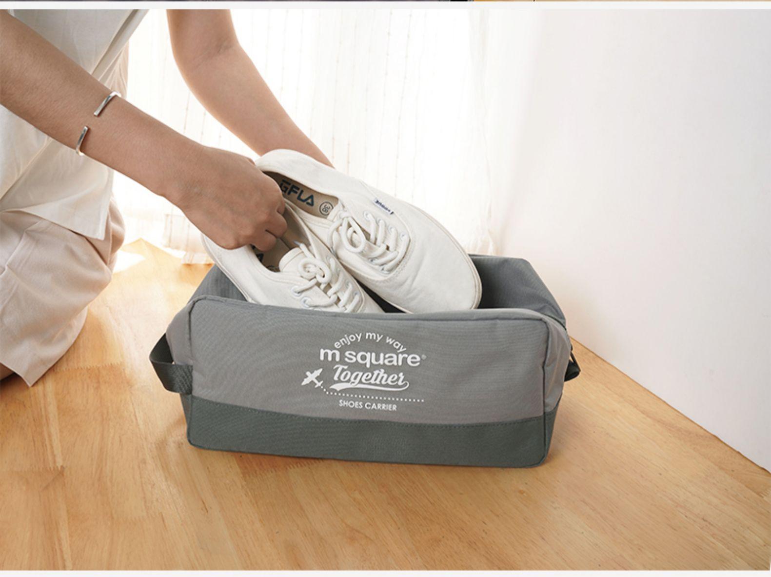 Xếp gọn giày vào trong túi đựng giày 3 ngăn Msquare Convenient