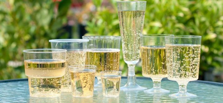 Ly rượu vang nhựa