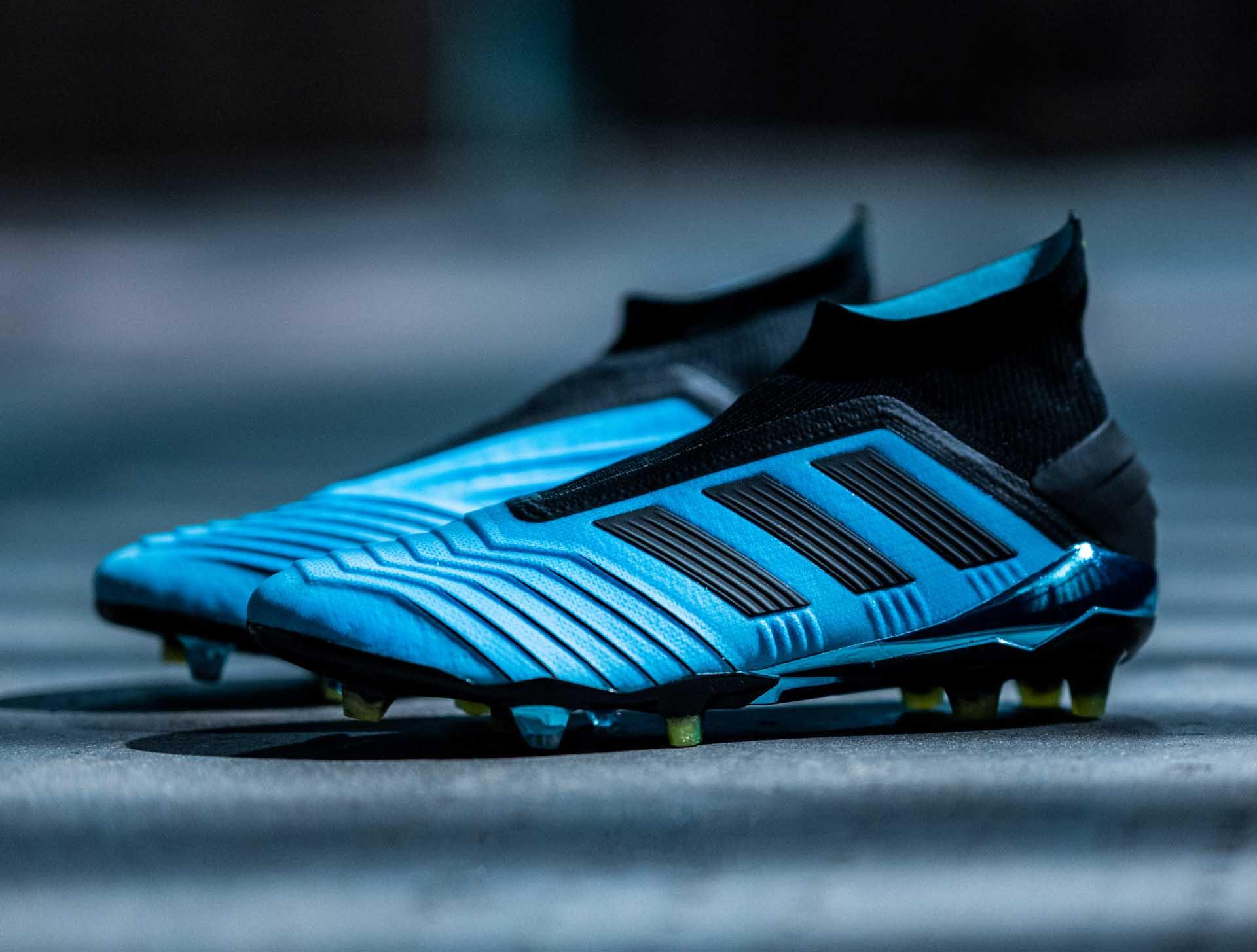 Giày đá banh chính hãng. Giày cỏ tự nhiên. Giày dành cho tiền vệ. Giày đá banh Adidas.