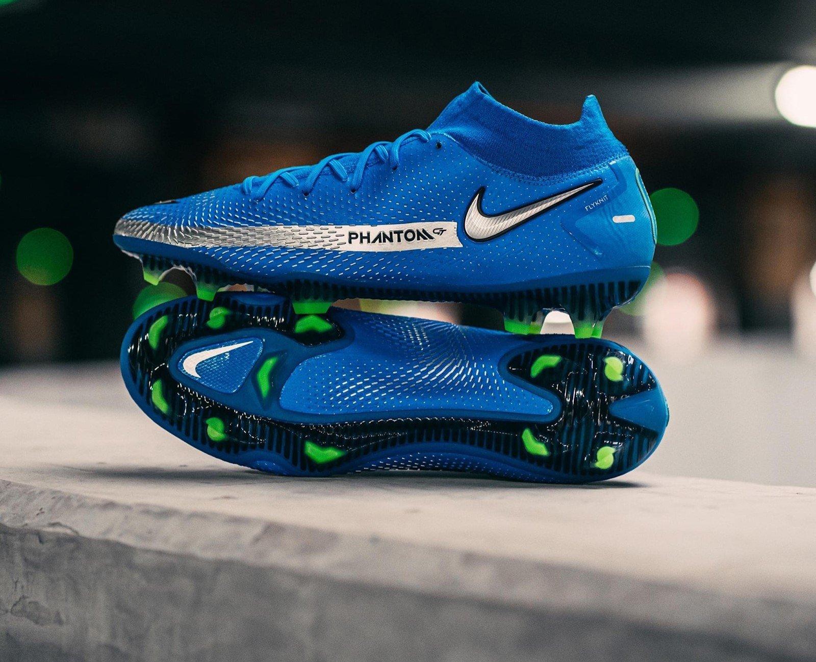Giày đá bóng Nike Phantom Gt