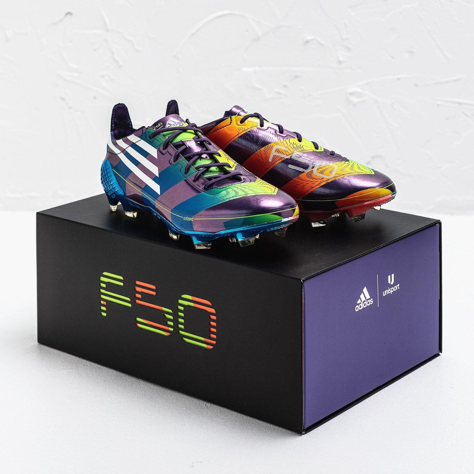 Một số hình ảnh về đôi giày đá bóng adidas F50 Adizero Memory Lane
