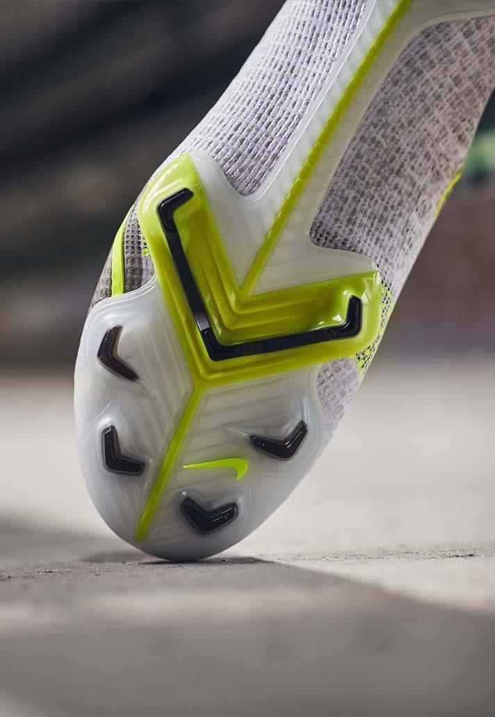 Công nghệ của giày đá bóng Nike Mercurial 2021 White / Black / Silver / Volt