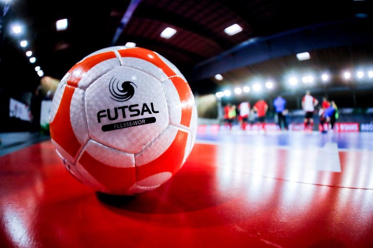 Tổng hợp những loại banh chuyên dụng dành cho mặt sân Futsal tại Neymarsport