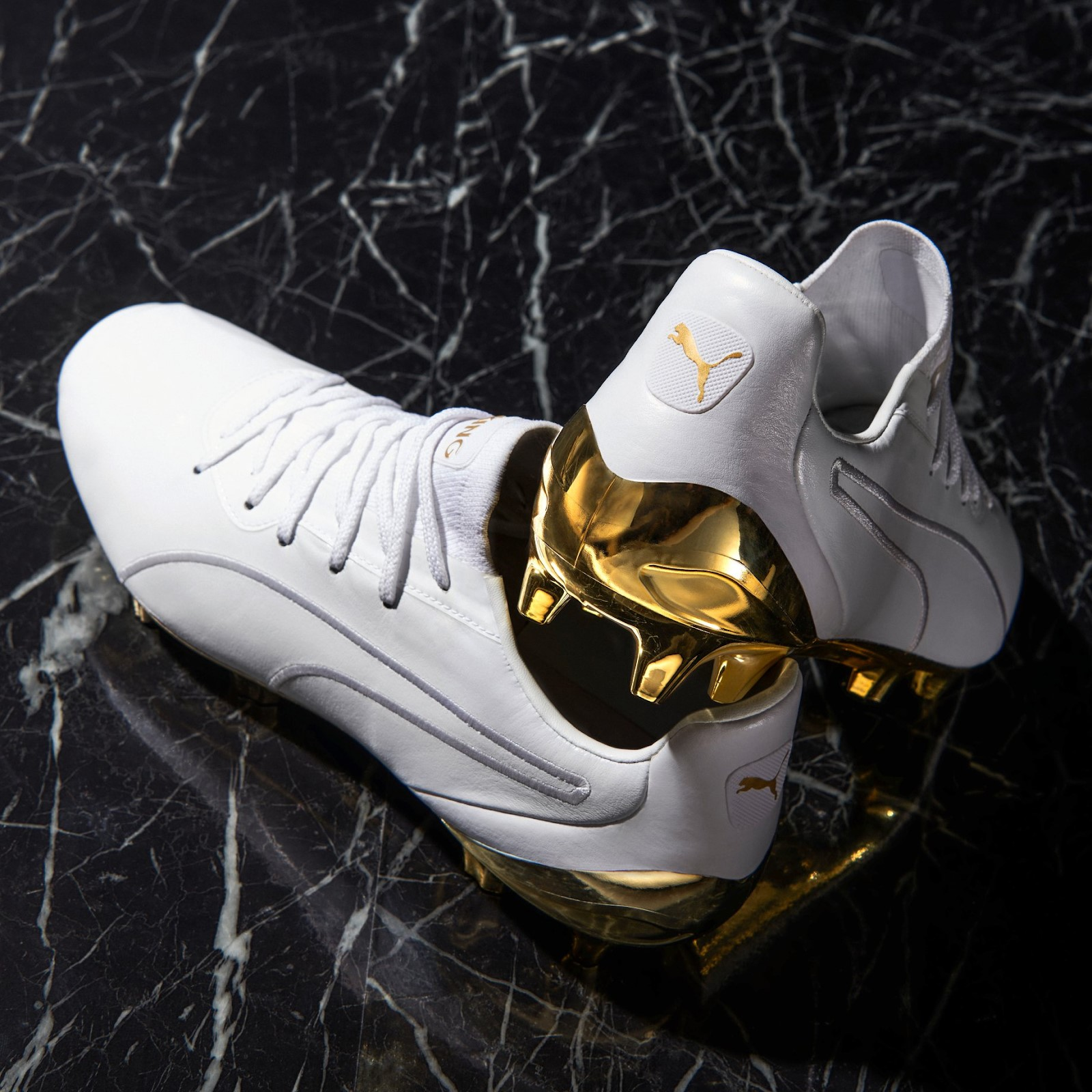 Giày đá banh Puma King Platinum