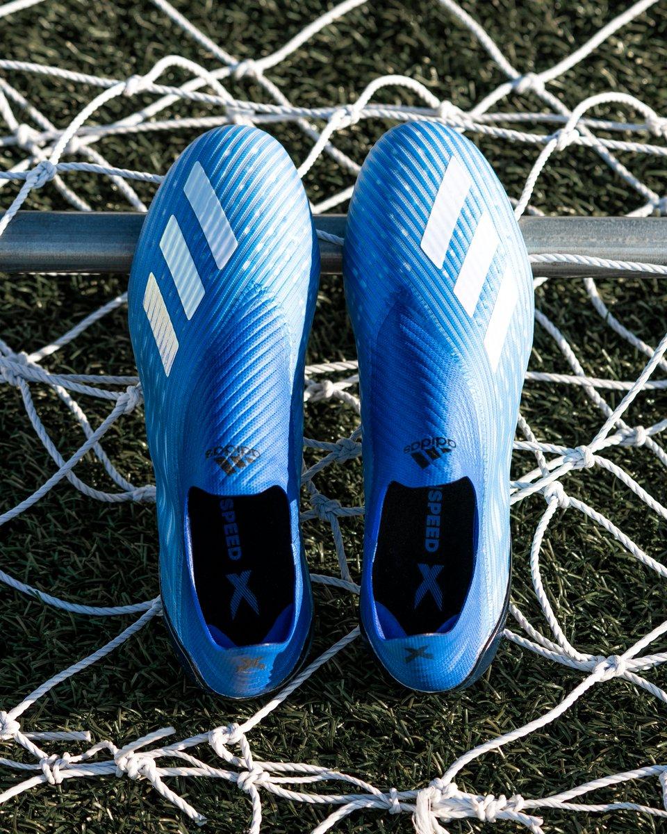 Giày đá banh chính hãng. Giày đá banh Adidas. Giày đá banh Adidas X19+