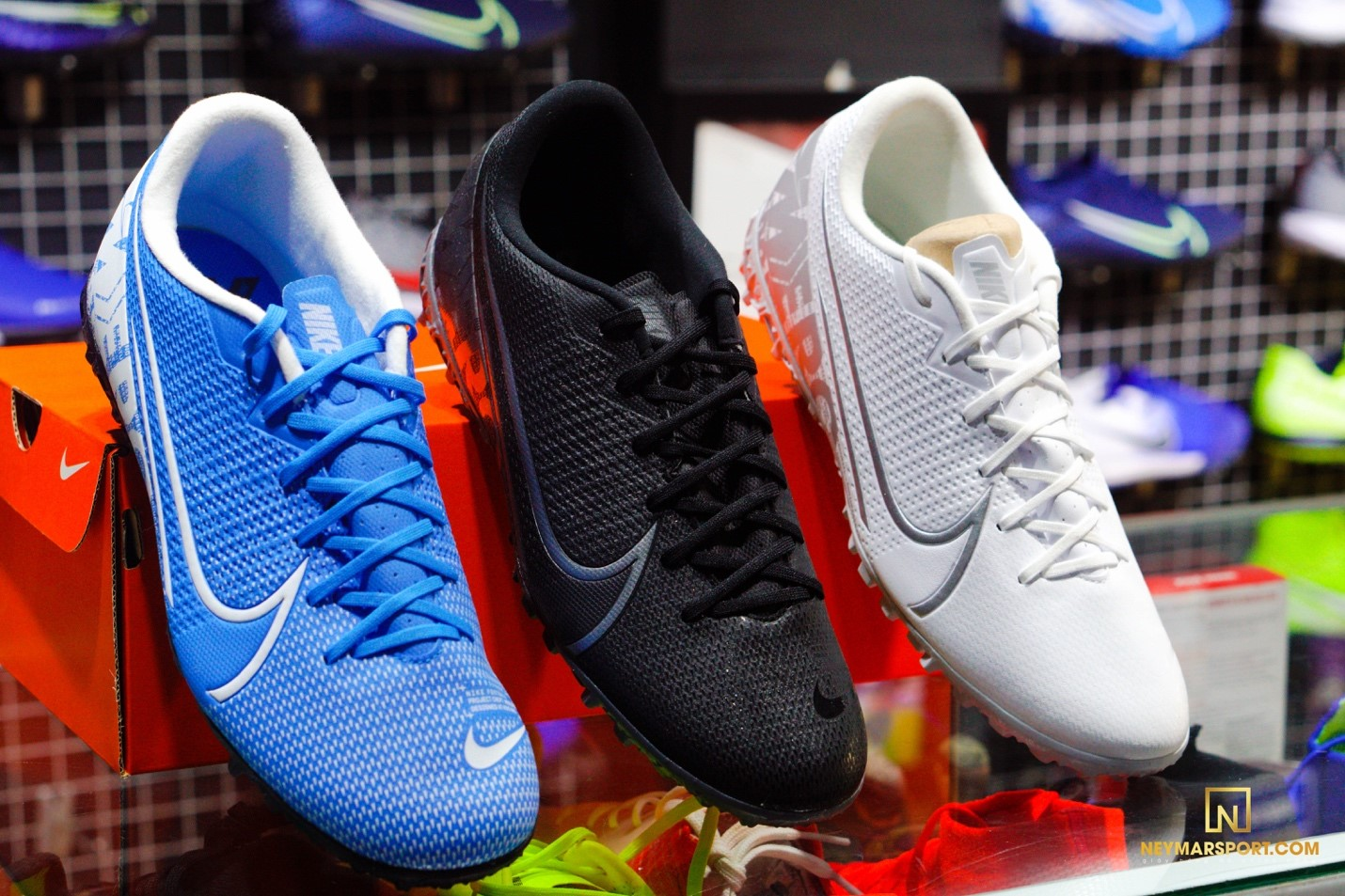 Giày đá banh chính hãng. giày đá banh Nike. Giày đá banh Adidas.