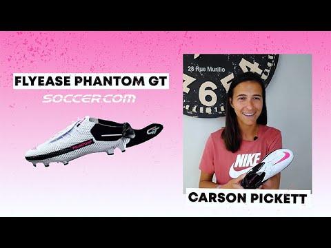 Nữ cầu thủ Carson Picke yêu thích sử dụng Nike Phantom FlyEase
