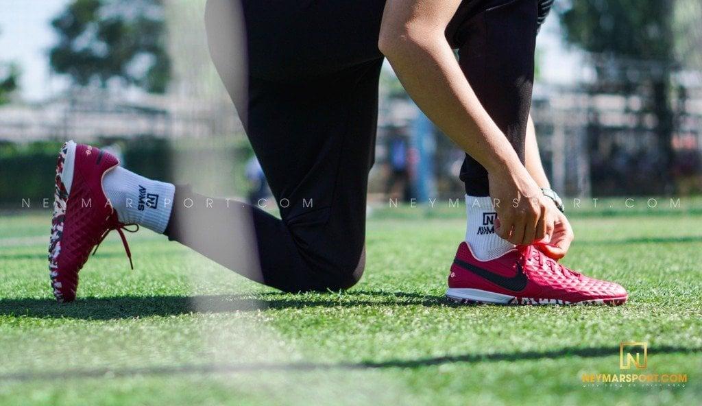 Ưu và nhược điểm của giày bóng đá da tự nhiên